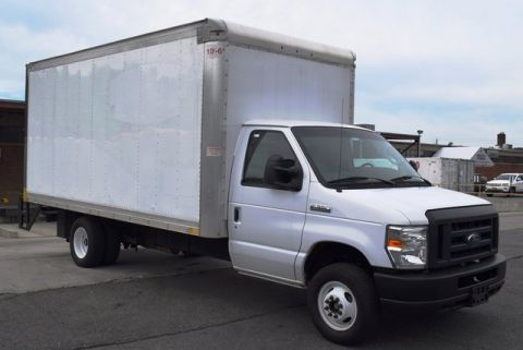 Pre-Owned 2018 Ford E-350SD Base